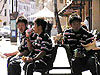 ロックスで昼食をとる選手たち