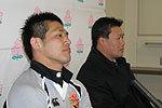 東芝府中ブレイブルーパスの薫田監督(右)、冨岡キャプテン