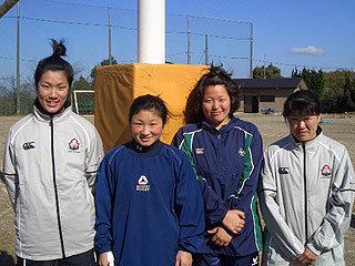 左から辻本選手(キャプテン)、菊地選手、清水選手、本間選手