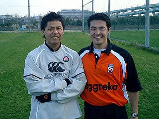 村田コーチ(左)と平林レフリー