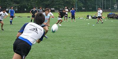 曲線的な動きやサポートを意識して練習を繰り返す