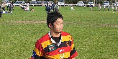 鈴木選手もワイカトU23代表のジャージに身を包んで戦った