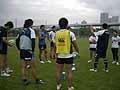 キックオフのアドバイスをする田沼コーチ