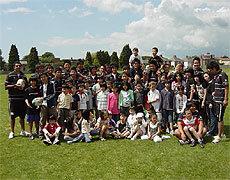 日本人補習校の生徒さん達と一緒に