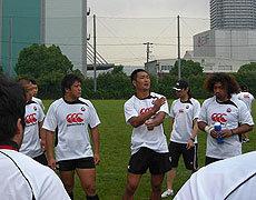 伊藤キャプテンを中心に選手同士でディスカッション