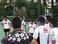 鈴木キャプテンがチームを鼓舞する