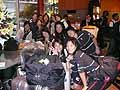 女子チームも元気に香港到着です