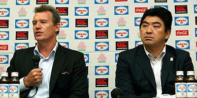 ジョン・カーワンヘッドコーチと、太田GM