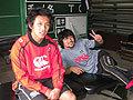 くつろぐ小吹選手(左)と北川選手(右)