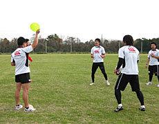 判断力と早い動きの練習で高い能力を見せていた松下馨選手(ヤマハジュビロ)