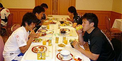 食事の時間がとても楽しみであることが伝わってきます