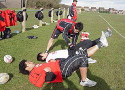試合に出られないメンバーは滝田トレーナの下、別メニューで体を追い込んでいました
