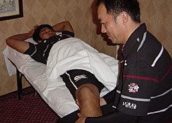 トレーナーには厳しい練習で疲れた選手の体を調整して頂いて、次のトレーニングに備えて選手の体を準備するとともに状態を確認して頂いています