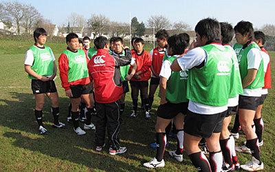 練習中、高崎監督の指示