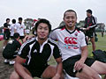 初日から積極的に仕掛けた山中選手と、大学の先輩でもある矢富選手