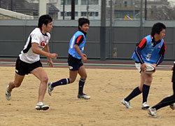 男子7人制日本代表選手も入り混じってトレーニング