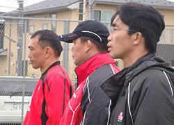練習を見守る、元木HC・薫田日本A代表監督・中竹CD