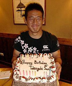 山内選手の誕生日をお祝いしました