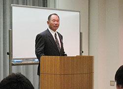 岐阜県協会副会長。開講式で