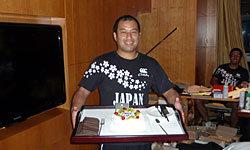 南川トレーナー誕生日