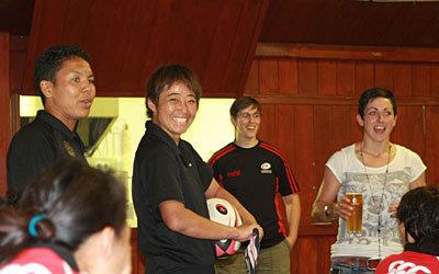 チームを代表して挨拶する岡田キャプテン