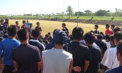 約90名の高校生を前に松尾コーチ