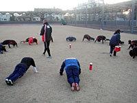 朝日の下ストレングストレーニング